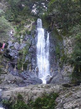 2012.04.15菅生の滝.JPG