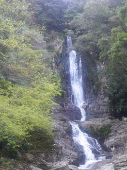 2012.04.15菅生の滝3.JPG